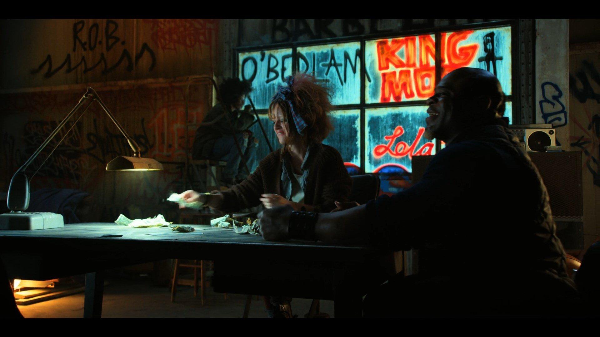Stranger-Things-Season-02-Episode-07-Grant-Morrison-The-Invisibles